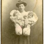 Maria Nowak (matka Kazimierza) z dziećmi – Jadwigą i Czesławem, młodszym rodzeństwem Kazimierza